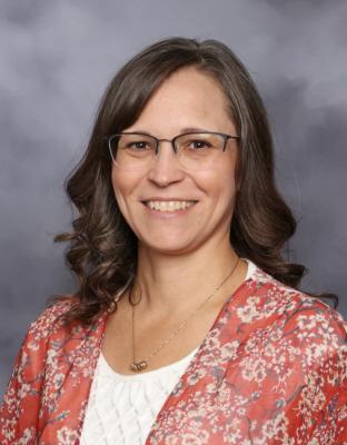 Stephanie Luhn : Paraprofessional